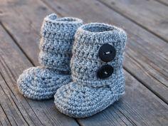 Lykketrollet: Heklede babyboots Slippers, Knitting, Fashion, Moda, Sneakers, Tricot, Fashion Styles, Cast On Knitting, Stricken