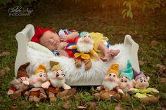Snow White, Newborn Session, Newborn Photography, Disney, Snow White Photo, Seven Dwarfs, Chelsea Anne Photography, Baby Photography
