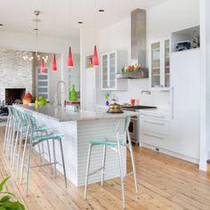 All-white kitchen models Modern Kitchen Island, All White Kitchen, Modern Kitchen Design, Kitchen Islands, Open Kitchen, Kitchen Flooring, Kitchen Furniture, Kitchen Decor, Wood Flooring