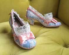 Marie Antoinette schoenen hakken roze stoffige door HexHeartHollow