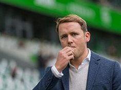 """""""Sportdirektor"""" Olaf Rebbe durfte sich nach der Entlassung von Andries Jonker über den Kicker äußern .."""