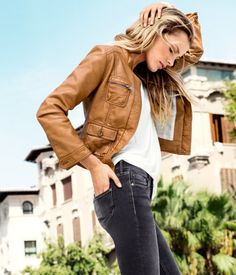 Discover the latest women's fashion trends at H&M. Shop women's clothing and accessories and get inspired by the latest fashion trends. Latest Fashion For Women, Latest Fashion Trends, Fashion Online, Womens Fashion, Cute Leather Jackets, Edita Vilkeviciute, Sporty Style, Summer Dresses For Women, Outerwear Women