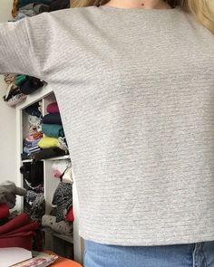Tshirt #hemlocktee @grainlinestudio dans un jersey tout doux qui brille de toutes les couleurs @tissus.art.couture.lambersarthemlockteemade.by.eme
