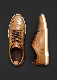 SPORT SHOE 0/5 JONAT4 C $139.90 BROGUE STYLE SHOES - LACE UP FRONT - CONTRAST CHUNKY RUBBER SOLE - TOPSTITCHING DETAIL.