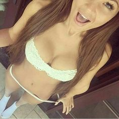Dude that girl looks smoking hot. Pretty girls with huge boobs will drop your pants down by instant. Hot Selfies, Girls Selfies, Lingerie Models, Sexy Lingerie, Lingerie Selfie, Sexy Teens, Hot Brunette, Beautiful Girl Image, Instagram Models