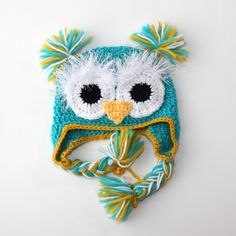 I don't really know how owls as fashion made a comeback, but I kinda love it. This adorable owl hat for babies is an example why (I love it).
