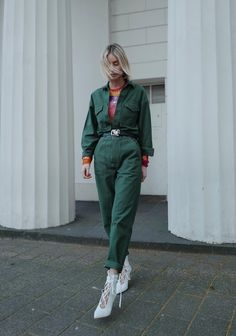 I'm wearing tie-dye while pulling off two major spring and summer trends. The boiler suit. Check out my new spring look. Smart Casual Outfit, Casual Outfits, Suits For Women, Clothes For Women, Suit Pattern, Boiler Suit, Work Wear, Winter Outfits, What To Wear