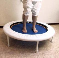 Rebounding on a personal mini trampoline is an alternative health technique for eliminating toxins. A few minutes a day will expel poisons by jostling the lymph nodes and squeezing the toxins… Trampolines, Health And Wellness, Health Fitness, Fitness Hacks, Health Tips, Mini Trampoline Workout, Fitness Trampoline, K Tape, Lymphatic Drainage Massage
