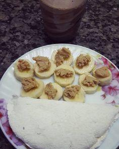 Café da manhã :tapioca com requeijão banana com pasta de amendoim e leite com cacau. .  #reeducacaoalimentar #saude #emagrecer #emagrecimento #fit #dieta #instadieta #antesedepois #antesedepoisemagrecimento #gym #antesedepoisgym #saudavel #foco #forca #fe #foconameta #magra #instagood #receitas #receitasfit #receita #maispertodoqueontem #lowcarb #nutriçao #food #foodpic by tayna.cesar
