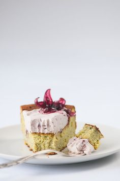 matcha white chocolate cake with hibiscus cream