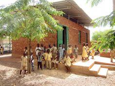 Escuela de Educación Infantil LAAFI / Albert Faus