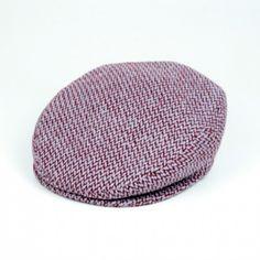 Coppola in lana sui toni del bordeaux - Coppola in wool on the tones of the bordeaux http://lacoppolastortashop.com/it/uomo-donna/17-p44130.html# #lacoppolastorta #coppole #caps #colours #bordeaux