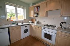 Great property for sale on #zoopla http://www.zoopla.co.uk/for-sale/details/33571104