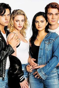 Lili Reinhart, Cole Sprouse, KJ Apa and Camila Mendes❤ Riverdale Tumblr, Kj Apa Riverdale, Riverdale Aesthetic, Riverdale Funny, Riverdale Memes, Riverdale Betty, Betty Cooper, Vanessa Morgan, Wallpaper B