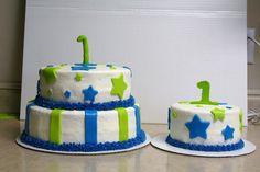 cake with matching smash cake
