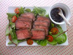 フライパンひとつで♪お手軽ローストビーフ by 田岡 美保 「写真がきれい」×「つくりやすい」×「美味しい」お料理と出会えるレシピサイト「Nadia | ナディア」プロの料理を無料で検索。実用的な節約簡単レシピからおもてなしレシピまで。有名レシピブロガーの料理動画も満載!お気に入りのレシピが保存できるSNS。