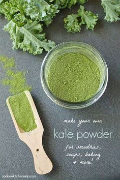 Make your own kale powder for smoothies, soups, baking and more