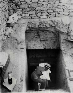 Entrance to Tutankhamun's tomb - The 1922 discovery by Howard Carter and George Herbert, 5th Earl of Carnarvon of Tutankhamun's nearly intact tomb
