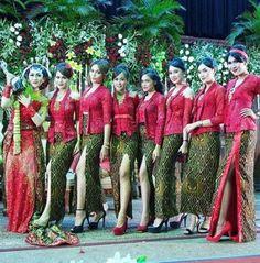 Dress Hijab Chiffon Long Skirts 41 New Ideas Kebaya Dress, Batik Kebaya, Kebaya Brokat, Indonesian Kebaya, Indonesian Girls, Modern Kebaya, Sweet Sixteen Dresses, Long Chiffon Skirt, Vintage Street Fashion