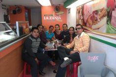 Clientes y Amigos festejando en La Zanja