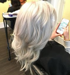 """""""Icy blonde! This one was so much fun! Platinum platinum with a titanium and opal glaze. Love!! #icequeen #elsahair #platinumhair #blondes @angel_of_blonde…"""""""