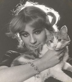 Felicity Kendal and her cat.