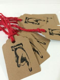 A handmade tag is the finishing touch every Christmas gift needs! Set of 10 hand-stamped Christmas gift tags on Kraft cardstock, vintage stamp {in my Etsy shop!}