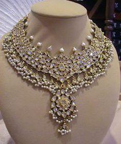 New Ideas Indian Bridal Jewelry Kundan Wedding Jewellery Designs Wedding Jewellery Designs, Indian Wedding Jewelry, Gold Jewellery Design, Bridal Jewellery, Diamond Jewellery, Indian Bridal, Handmade Jewellery, Jewellery Box, Royal Jewelry