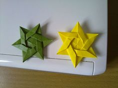 origami Star of David - glue these to skewers for #cupcake_toppers or #cake_toppers!