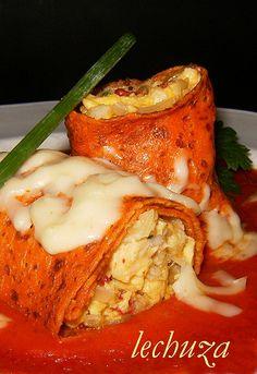 Filloas de piquillo con bacalao, la cocina de lechuza BLOG in Spanish RECIPE Spanish Kitchen, Spanish Food, Mexican Food Recipes, Dinner Recipes, Ethnic Recipes, Flan, Main Meals, Food And Drink, Homemade