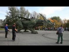 ▶ Further Drache, Biggest walking robot in the world. [Guiness World Record] - YouTube God, it's like seeing something hatched. Can't wait to see what they come up with in a few years.