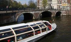 El cupón incluye barra libre de bebidas en el barco y photocall con el capitán.