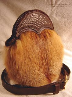 Red Fox Sporran with Tooled Leather Cantle.