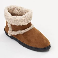 Isotoner Microsuede Outback Luggs Boot Slippers