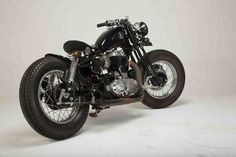 Bobber Modification Royal Enfield Desert Storm 500cc Single seat by KR Customs