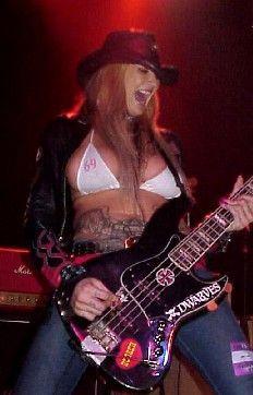 Corey Parks of Nashville Pussy Fille Heavy Metal, Chica Heavy Metal, Heavy Metal Girl, Rocker Girl, Rocker Chick, Female Guitarist, Female Singers, Rockabilly Guitar, Chica Punk