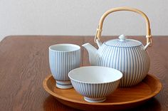 Japanese casual tea set and rice bowl.