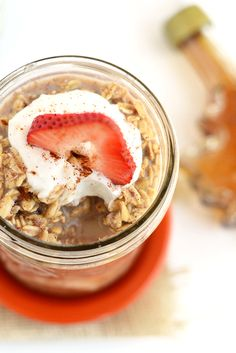 Have your french toast and oatmeal too! Make this French Toast Overnight Oat recipe for an easy breakfast that's packed with maple and cinnamon flavor!