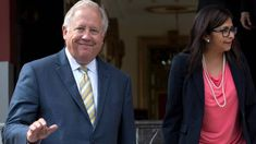 Salida de diplomático de EEUU abre la puerta a políticas de línea dura en Cuba y Venezuela http://www.elnuevoherald.com/noticias/mundo/america-latina/article197951264.html?utm_content=buffere9ca6&utm_medium=social&utm_source=pinterest.com&utm_campaign=buffer#storylink=rss