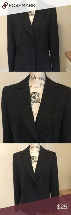 "TAHARI Arthur Levine Black Striped Blazer Sz 10 TAHARI Arthur Levine Black Striped Jacket Sz 10 Fully lined ❣️Made w/ polyester & rayon❣️With shoulder pads❣️ pit to pit 20"" ❣️ shoulder 16""❣️ sleeve length 24"" ❣️2 front faux pockets ❣️Great condition ❣️ Tahari Jackets & Coats Blazers"