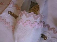 "ZAPATILLAS DE ESPARTO SANDUNGAS LUNARES / ""Abuela Aba"" - Artesanio Shoe Closet, Aba, Baby Shoes, Vintage Fashion, Diy Crafts, Couture, Handmade, Clothes, Ideas"