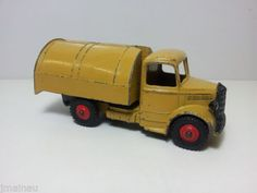 DINKY TOYS BEDFORD REFUSE TRUCK, COMPLETE AND WORKING