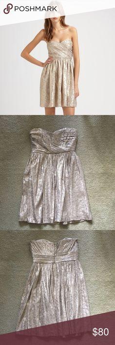 Shoshanna Metallic Silk Jacquard Sweetheart Dress Beautiful Shoshanna Metallic Silk Jacquard Sweetheart Bustier Dress. Color: Gold. Size 0. Excellent condition. Shoshanna Dresses