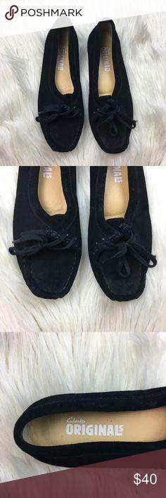Clarks Originals Black Moccasins Women's Size 8.5 Clarks Originals black moccasins, size 8.5. Good pre loved condition! Happy Poshing! Clarks Shoes Moccasins