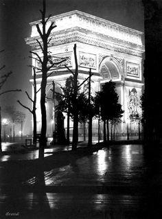 Brassaï Arc de Triomphe - Champs Elysées Paris 1930s
