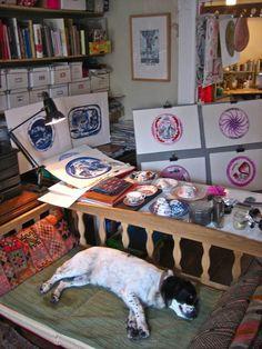 I love graphic artist Laura Knight's studio - complete with beautiful dog!   spitalfieldslife.com