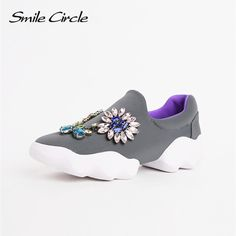Brand Shoes 2017 Spring Autumn Shoes for Women Flat Shoes Women Fashion  Rhinestones Flower Casual Platform 02ed47a46d74
