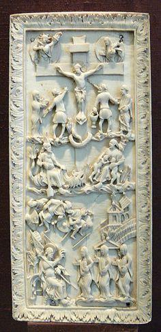 """Kreuzigung und Frauen am Grabe, westfränkisches Reich, um 870, so genannte """"Hofschule Karls des Großen"""", Elfenbein  Bayerisches Nationalmuseum München, Inv. Nr. MA 160"""