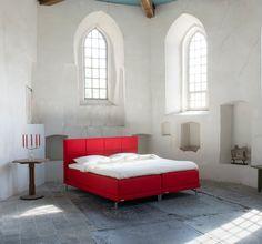 Toe aan een goede #nachtrust? Probeer de #AVEK Ljocht #boxspring: heerlijk comfortabel.  www.wonen.nl/slaapkamer/boxspring/nieuws/slapen-op-avek-boxspring-ljocht