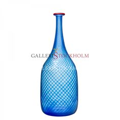 Bertil Vallien - Glaskonst - Red Rim blå flaska Beställ här! Klicka på bilden.